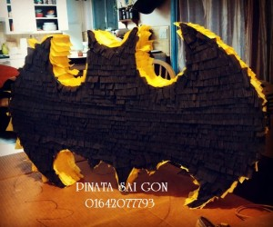 Batman| Pinata Saigon